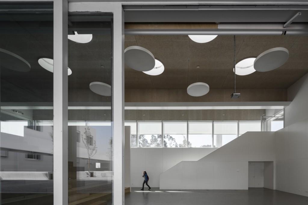 Escuela de Sever do Vouga, de Pedro Domingos Arquitectos.