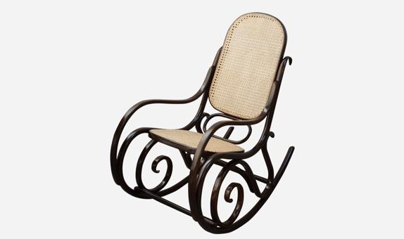 Imagen de la No.14 Rocking Chair, la mecedora de Thonet.
